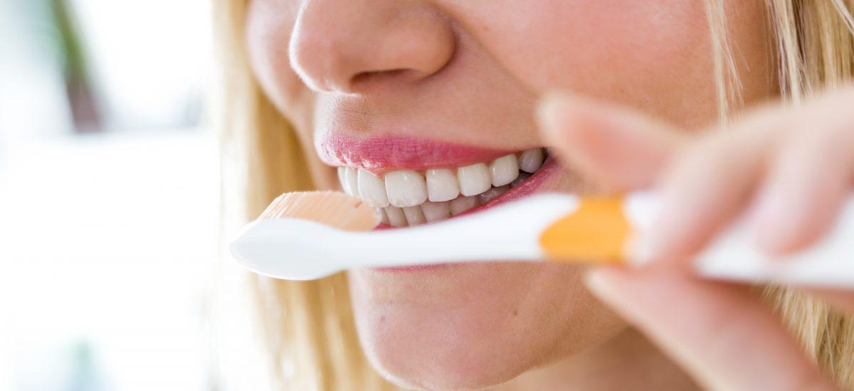 Los hábitos de higiene en los pacientes con implantes