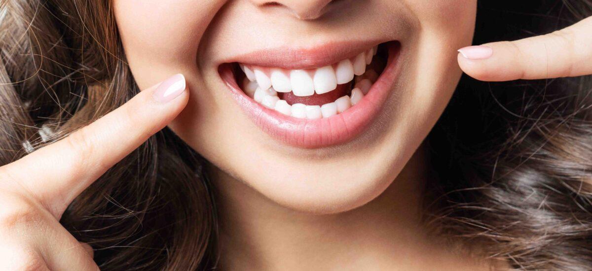 Blanqueamiento dental en Córdoba: limpia, blanquea y repara