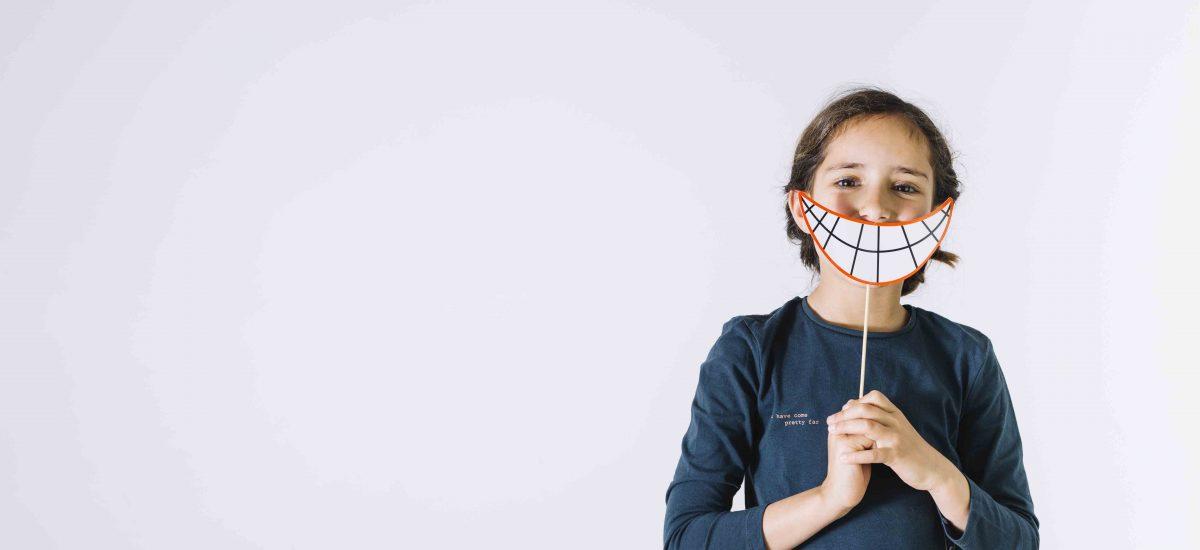 ¿Cuándo debemos hacer la primera visita de los niños al dentista?